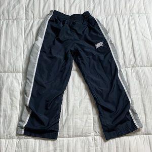5/$20 Nike Boys Lined Athletic Swishy Pants 4T